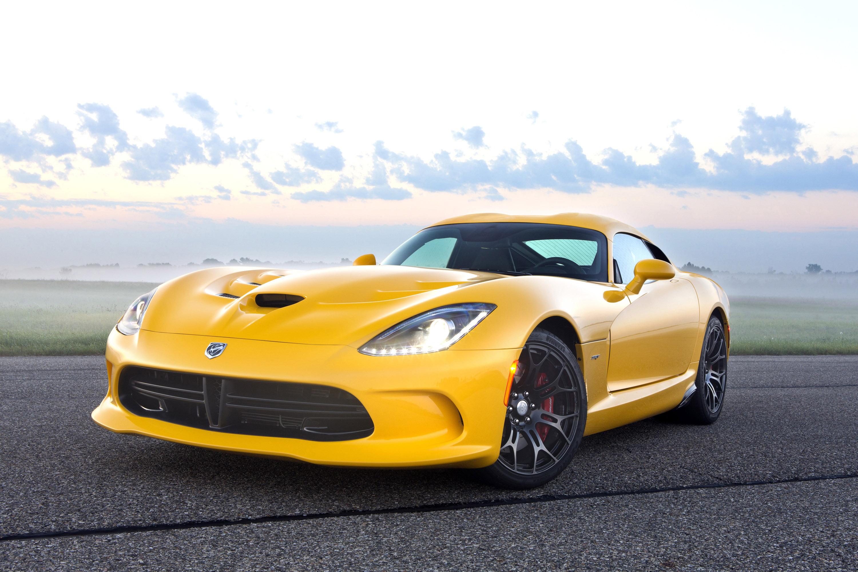 Yellow Dodge Viper SRT 2013